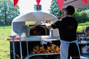 Mobile wood fired pizza oven